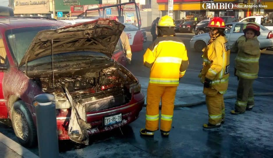 Conductor sufre quemaduras graves luego de que su unidad se incendió
