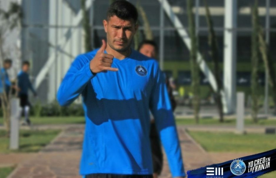 Chivas pierde en su visita al Puebla 2-0
