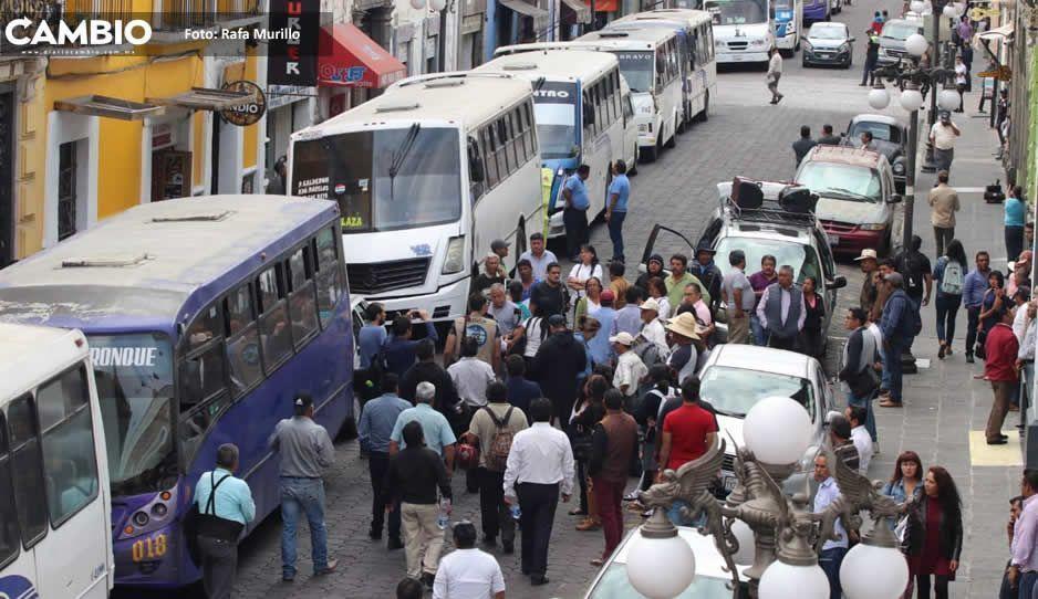 Transportistas amenazan que van por incremento a la tarifa del pasaje