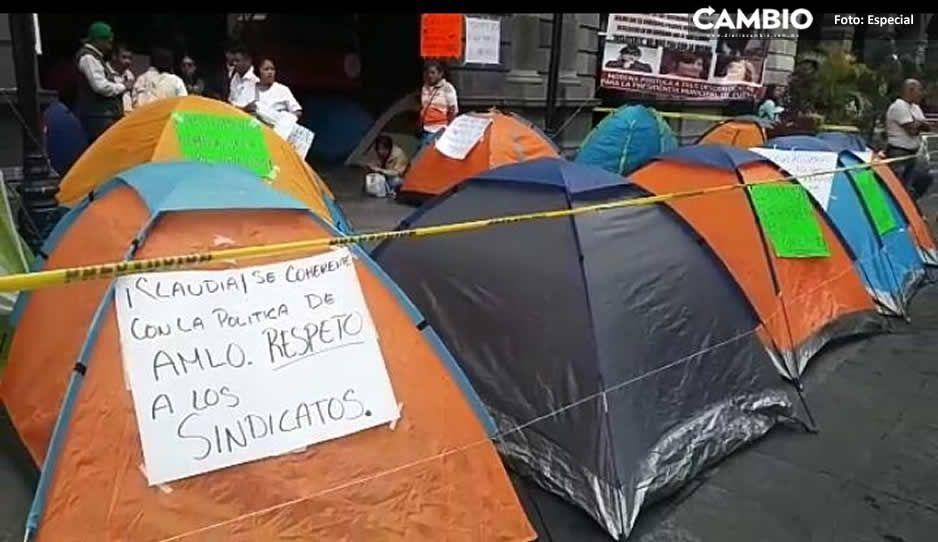 Claudia Rivera recibe el 2019 con manifestación: ex trabajadores sindicalizados exigen su reinstalación (VIDEO)