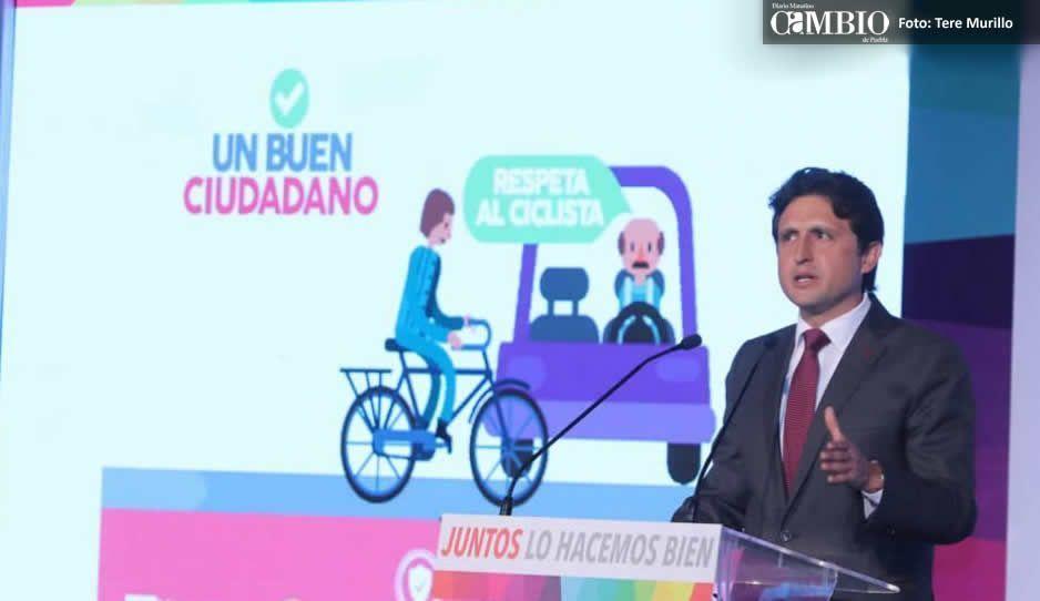 José Juan destaca inversión y arremete contra Fonden en su Cuarto Informe