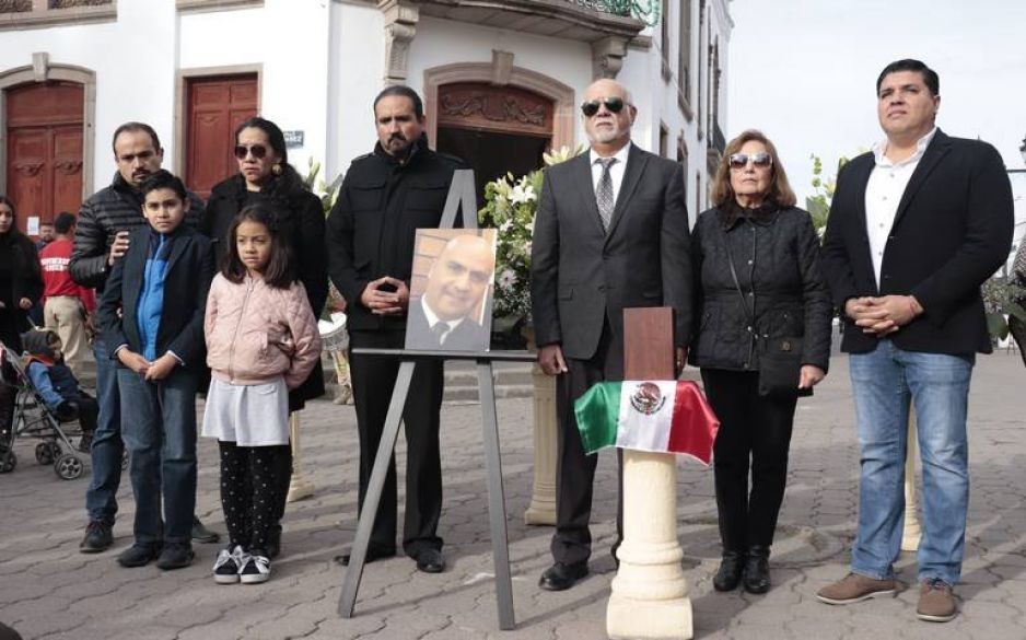 Familiares de piloto aún sin respuestas tras helicopterazo en Puebla