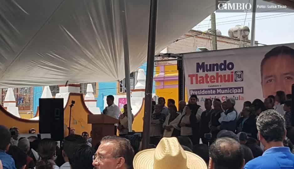 Tarde, con acarreados y empleados municipales, arrancó campaña Edmundo Tlatehui
