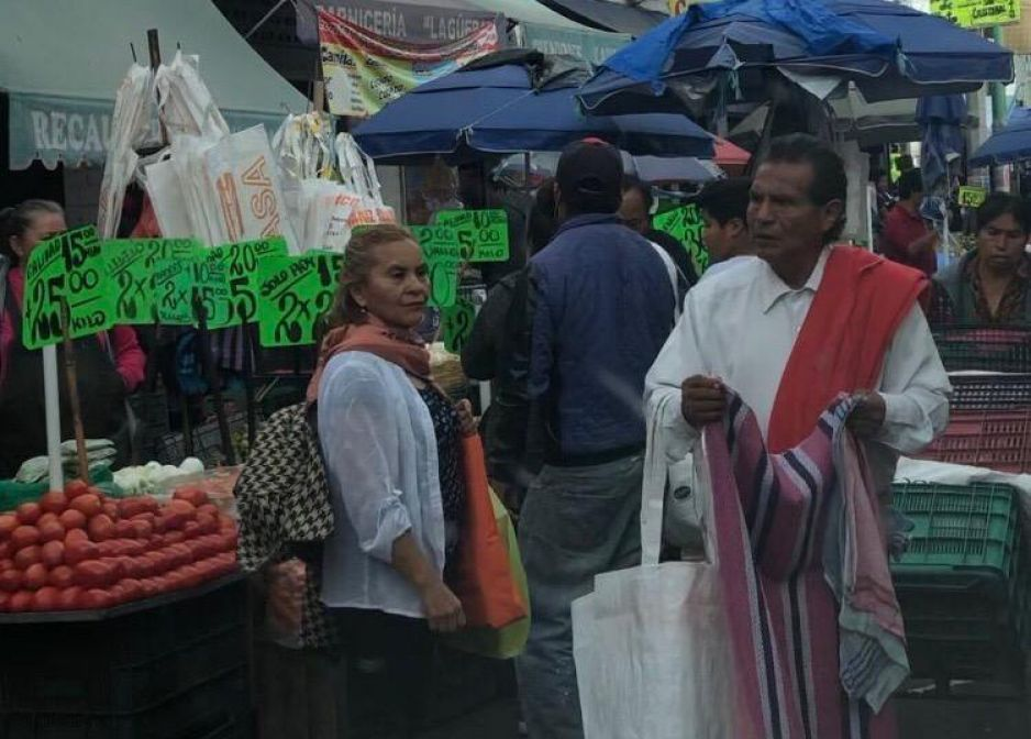 Invasión del ambulantaje por Reyes Magos genera caos y mugrero en el Centro Histórico (FOTOS y VIDEO)