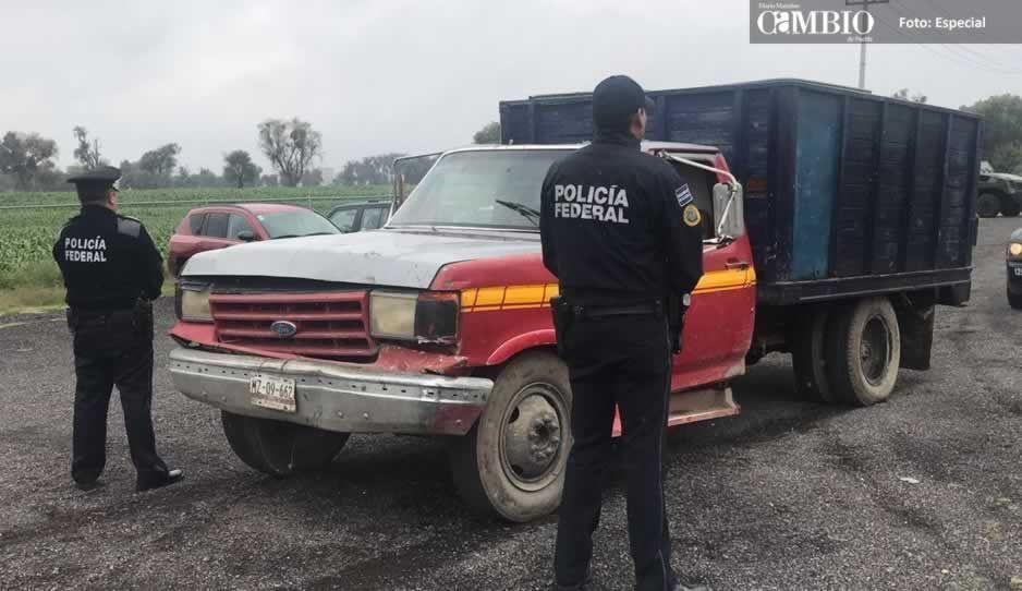 Policía Federal asegura unidad con cuatro mil litros de combustible en Huejotzingo