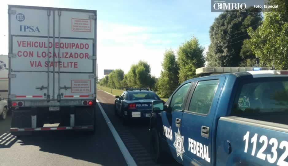 Policía Federal detiene a sujeto con tractocamión robado en Texmelucan