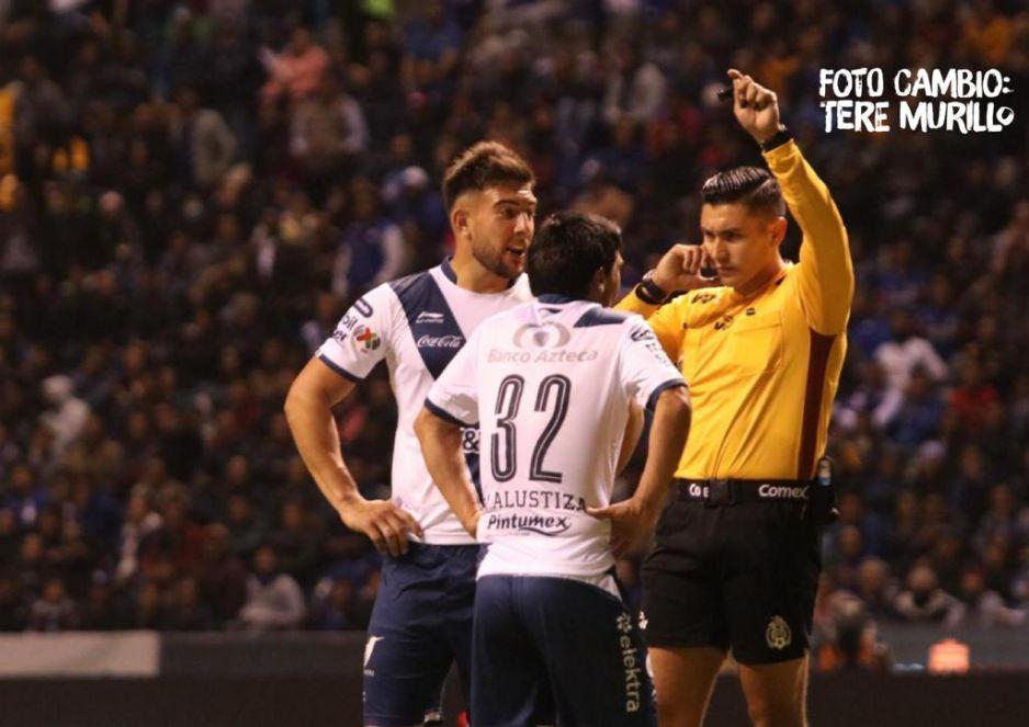 VAR anula gol a Alustiza; Puebla y Cruz Azul empatan con polémico arbitraje en el Cuauhtémoc