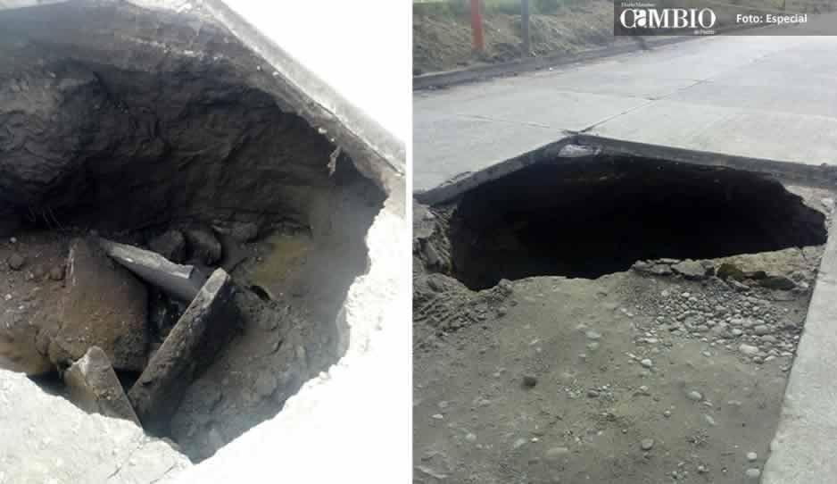 Se abre socavón en bulevar de Texmelucan por colapso de drenaje
