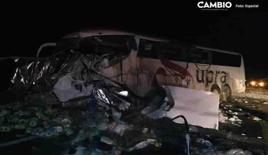 Fuerte accidente en la autopista Puebla-Teziutlán deja a un conductor muerto (FOTOS)