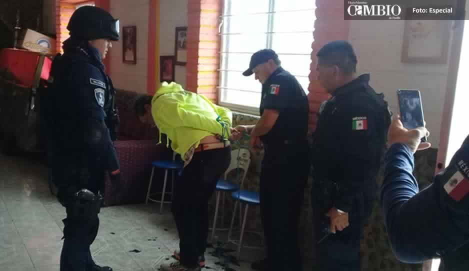 Comerciantes rapan a ratero en Texmelucan (VIDEO)
