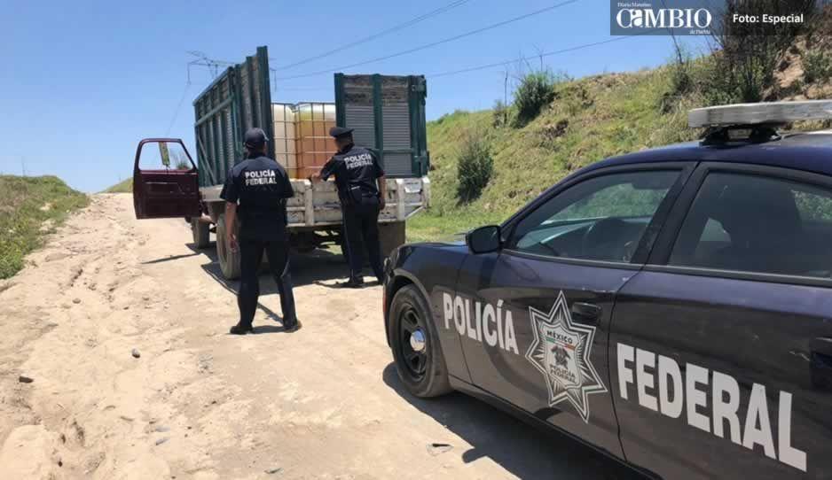 Policía Federal asegura unidad cargada con 900 litros de combustible en Tlalancaleca