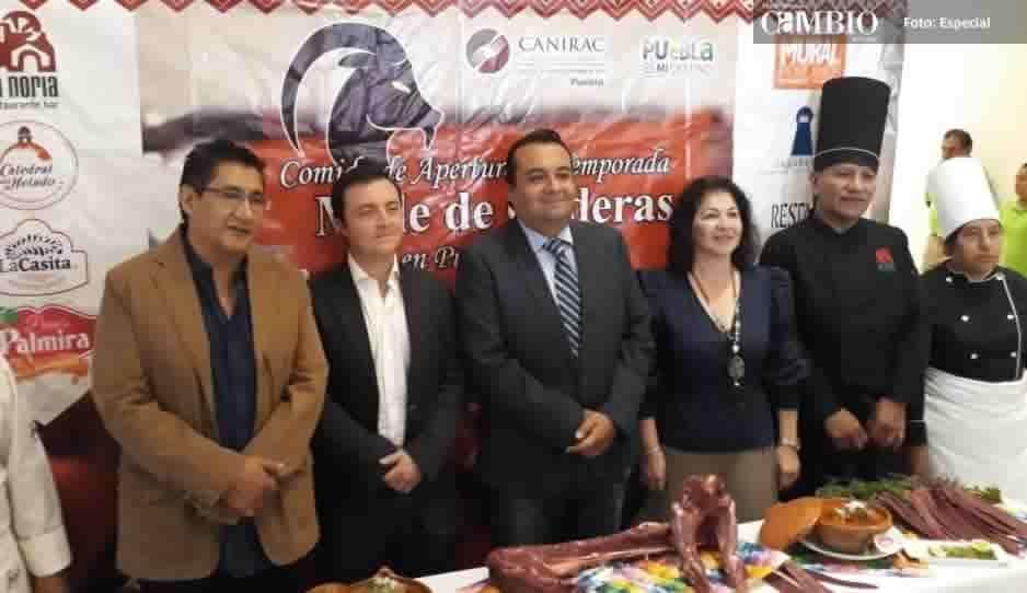 Presenta Canirac Comida de Apertura de Temporada Mole de Caderas en Puebla 2018