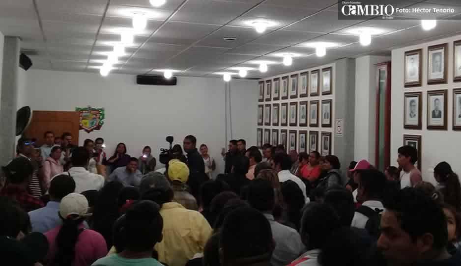 Familiares de policías piden al Ayuntamiento de San Martín pagar abogados particulares calificados