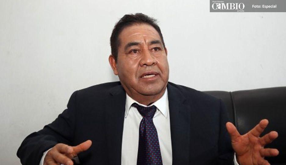 Edil electo de Amozoc confirma que dejará fuera de la presidencia del DIF a su esposa
