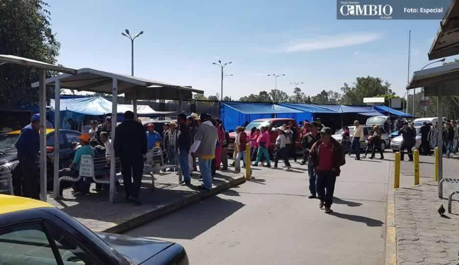 Pobladores de Tlahuapan protestan frente a la Volkswagen por cañones antigranizo (FOTOS y VIDEO)