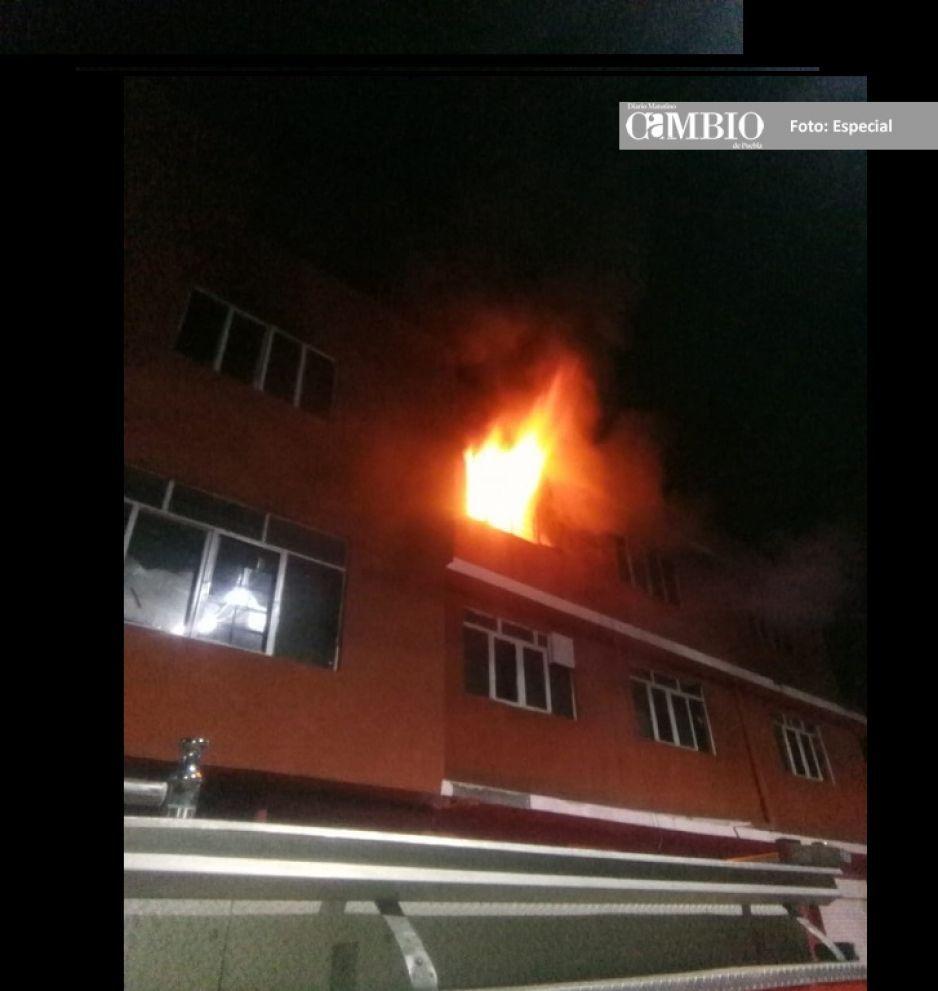 Bomberos de Texmelucan sofocan incendio en una vivienda