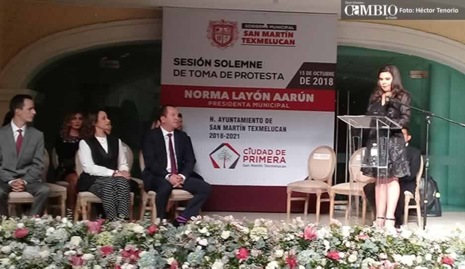 Norma Layón rinde protesta como alcaldesa de Texmelucan bajo fuerte dispositivo de seguridad