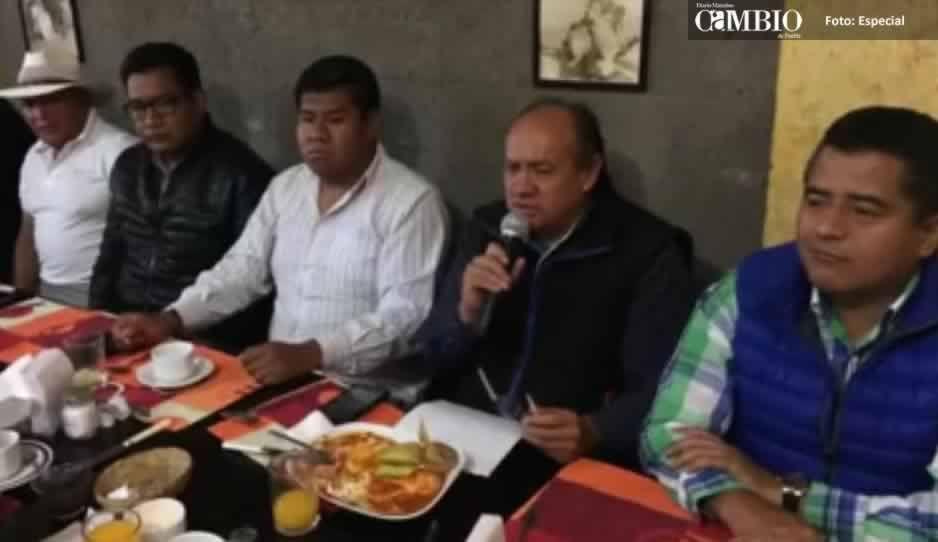Traición en el PRI de San Andrés Cholula: dirigente y planilla ofrece apoyo al candidato del PAN