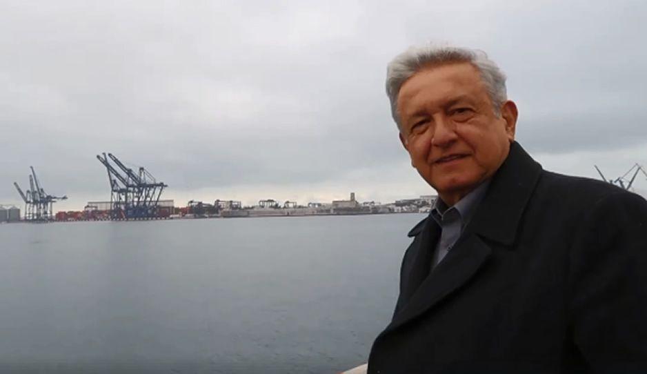 Ahora vivo del oro de Moscú: AMLO se burla de Meade y Lozano