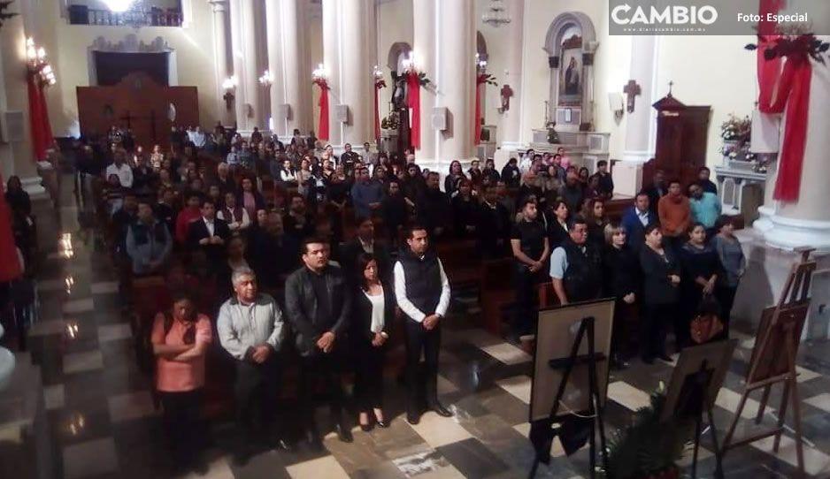 Realizan misa en Teziutlán por el eterno descanso de Martha Erika y Rafael Moreno Valle