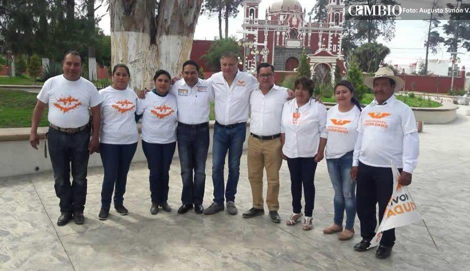 Miguel López inicia campaña en San José Chiapa entre abucheos e insultos