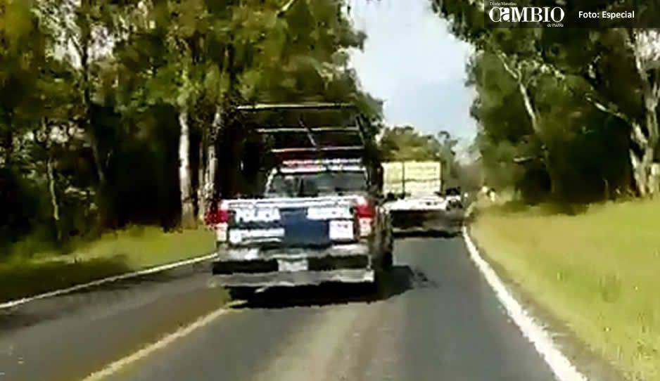 Interceptan a policías de Tlahuapan al escoltar a camioneta huachicolera
