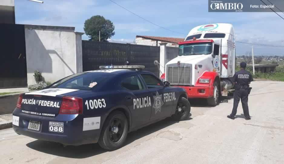 Policía federal recupera camión robado, y detiene a una persona en Coronango
