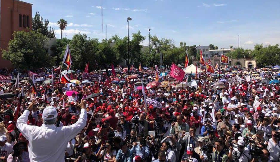 López Obrador llama a votar parejo