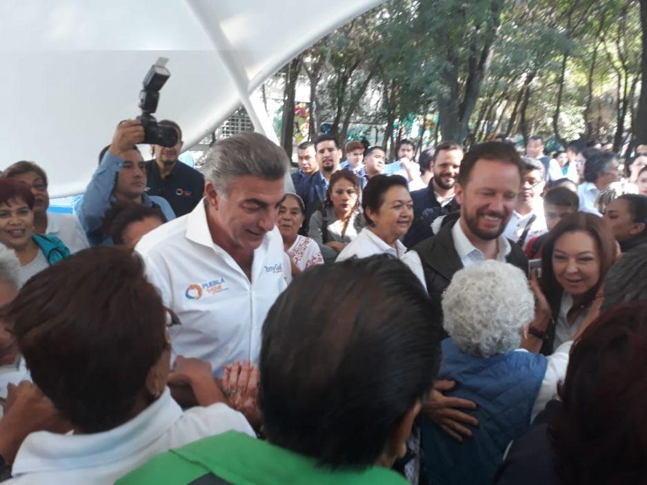 Ante las miles de visitas que recibe el espejo, plantea Gali otro chapoteadero en Parque Amalucan