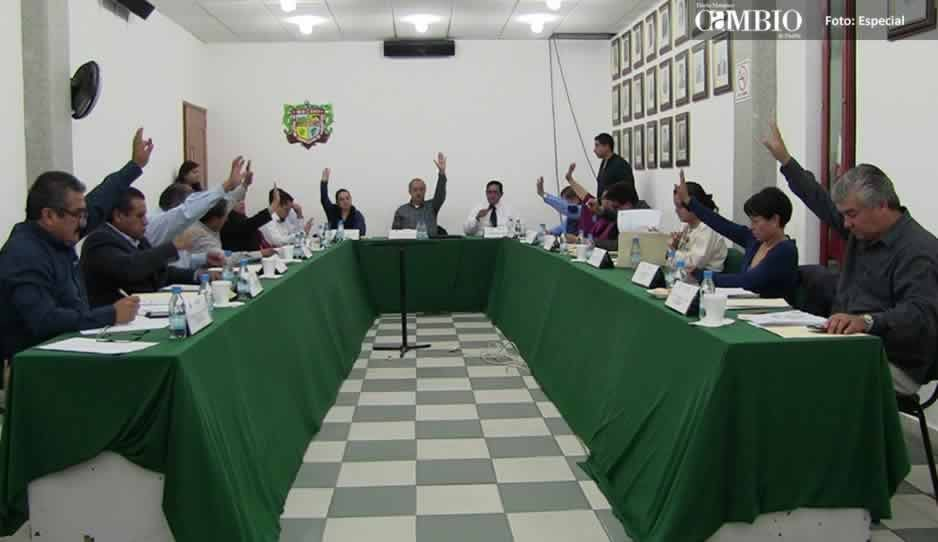 Juzgado notifica a regidores de Texmelucan por tianguis municipal
