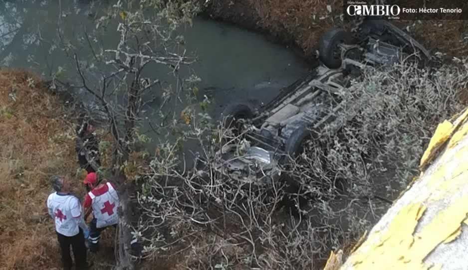 Tres muertos deja volcadura en Tlahuapan (VIDEO)