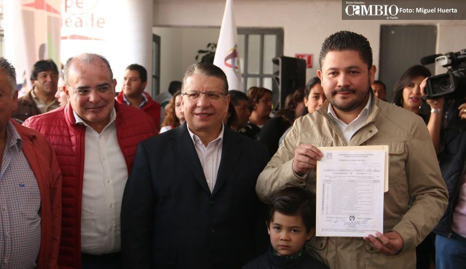 Enrique Doger es el precandidato del PRI a la gubernatura