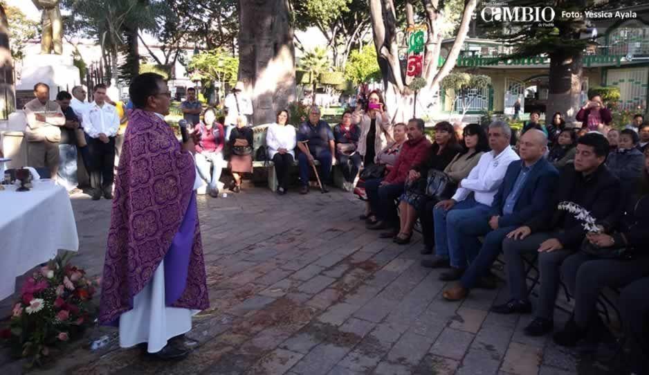 Realizan misa en el zócalo de Atlixco para conmemorar a víctimas del 19-S (FOTOS y VIDEO)
