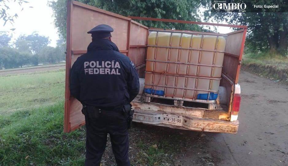 Asegura Policía Federal dos unidades con huachicol en El Verde