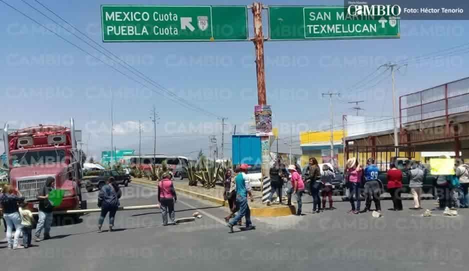 VIDEO: Familiares de policías detenidos cierran accesos a San Martín; exigen la presencia del Cabildo en pleno