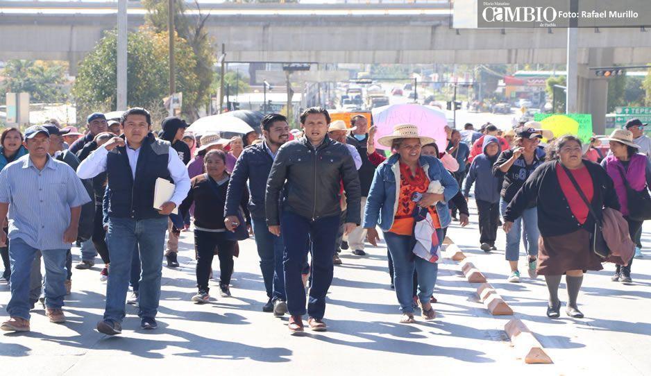 Colapsa tránsito de la capital poblana por manifestaciones