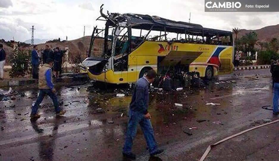 Explota autobús turístico en Egipto; reportan muertos y heridos