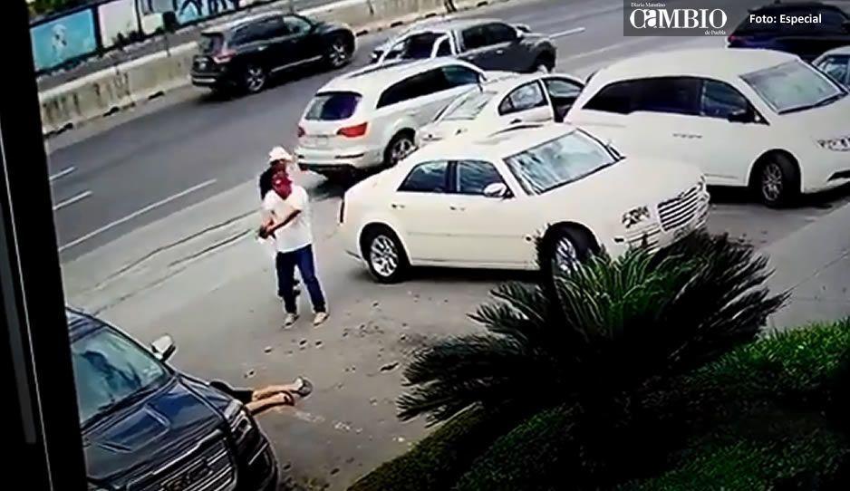 #Video Ejecutan a hombre afuera de Carnes San Juan en Monterrey