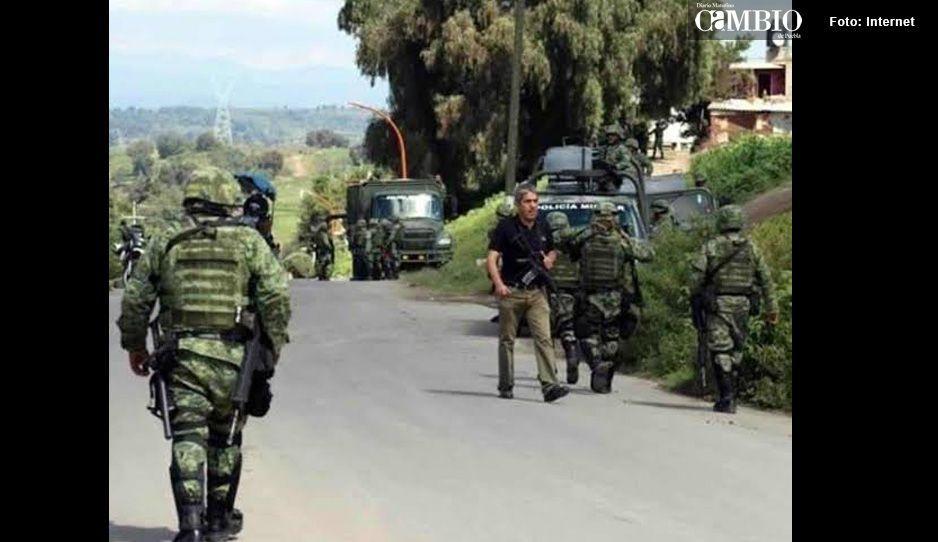 Pobladores de Tepatlaxco se enfrentan con militares