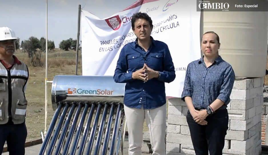 José Juan Espinosa inició la entrega de calentadores solares