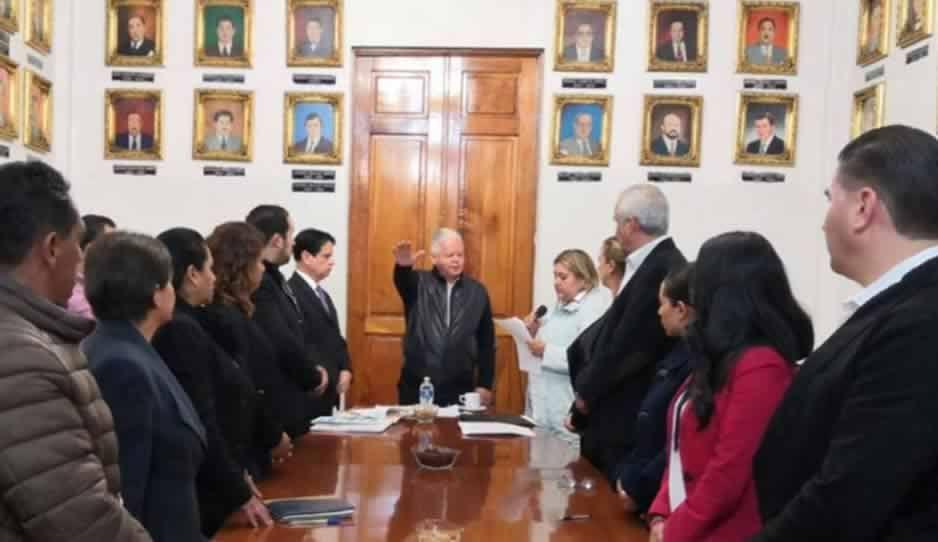 Excluyen a medios de comunicación en la primera sesión de Cabildo de Teziutlán