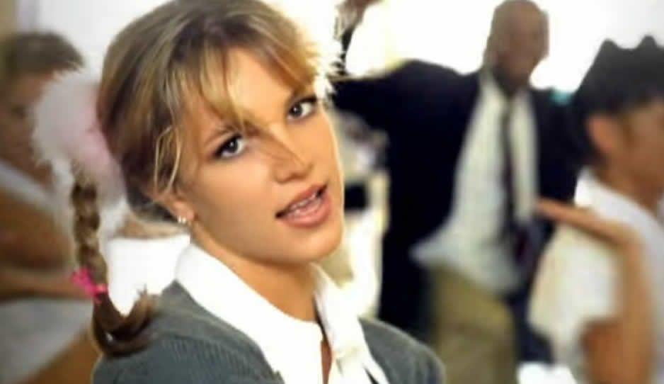 Britney Spears celebra 20 años de su exitoso tema