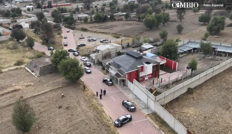 Federales realizan operativo en Acajete por robo de tractocamión; grupos armados provocan balacera