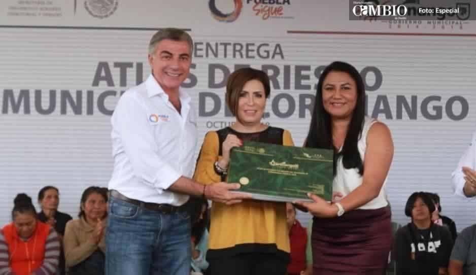 Rosario Robles se tira al piso: a las mujeres nos atacan más