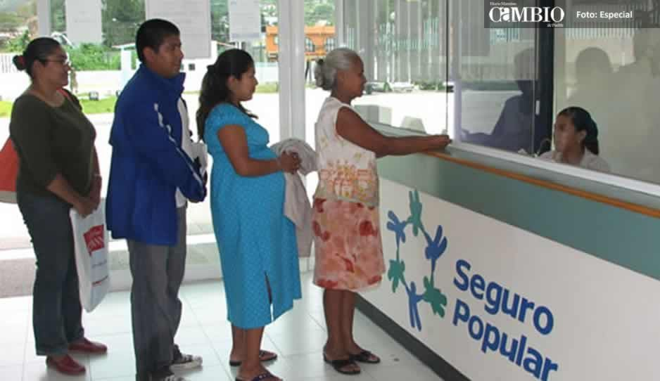Habitantes de Atlixco desconocen renovación del Seguro Popular