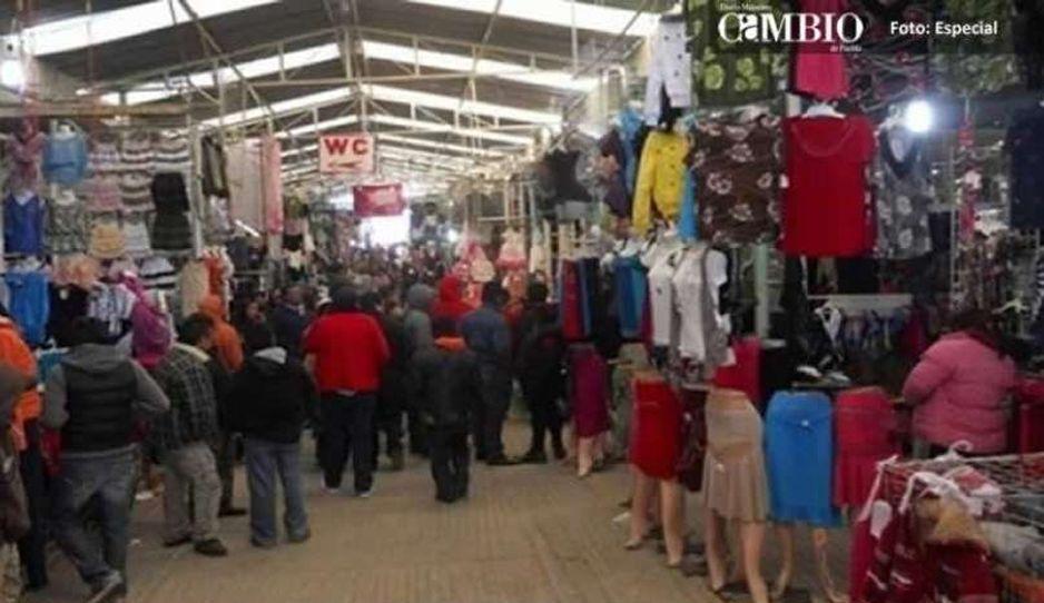 Ayuntamiento de Texmelucan despoja a tianguistas si no entregan moches
