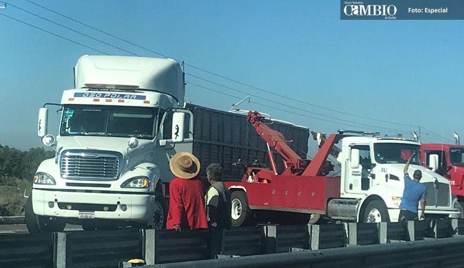 Carambola bloquea autopista Puebla-Orizaba