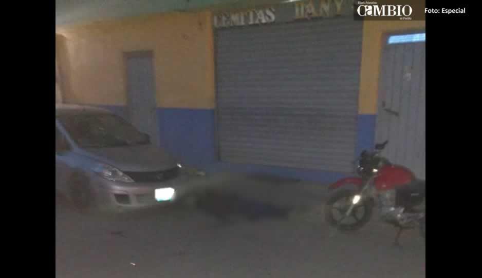 Por presunto ajuste de cuentas asesinan a un hombre en calles de Huejotzingo
