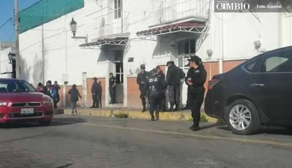 Elementos de la Dirección General de Ceresos ingresa al penal de Tecamachalco tras fuga de interno