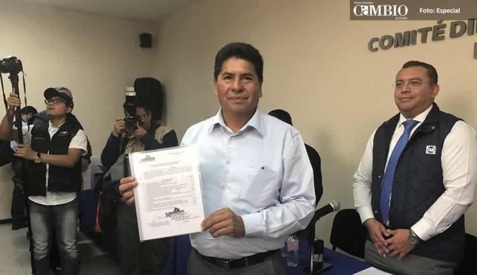 Se registra Raúl de Ita como precandidato a la presidencia municipal de Amozoc